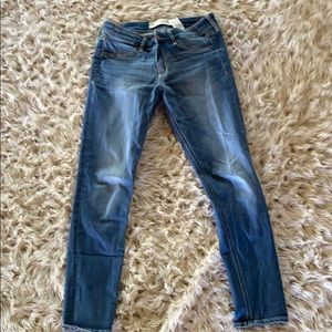 Abercrombie and Fitch skinny jeans !